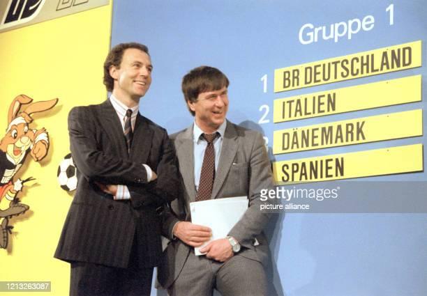 GruppenAuslosung für die FußballEuropameisterschaft am in Düsseldorf Das Los führt Deutschland in der Gruppe I als automatisch gesetzten Gastgeber...