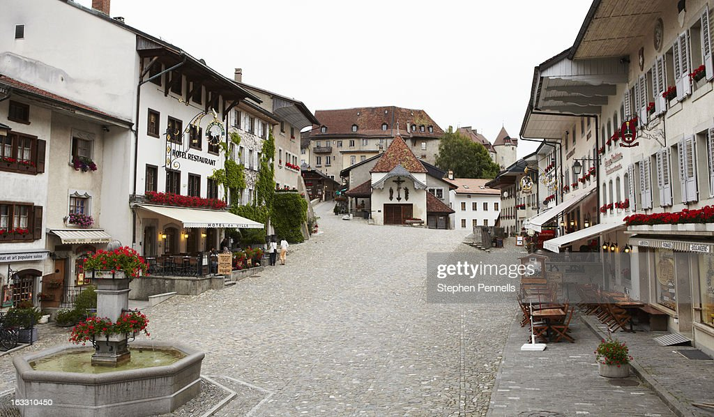 Gruyères market square 2 : Stock Photo