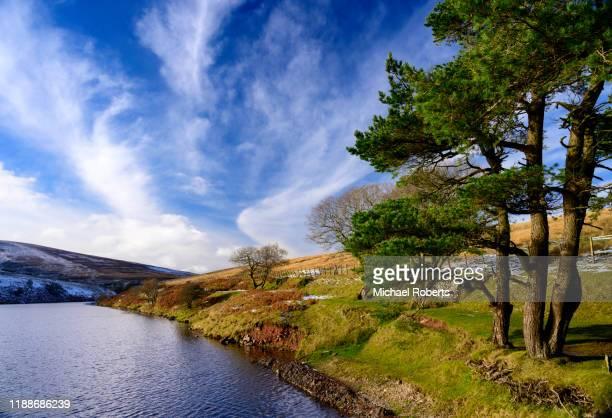 grwyne fawr reservoir in the black mountains, wales - crickhowell foto e immagini stock