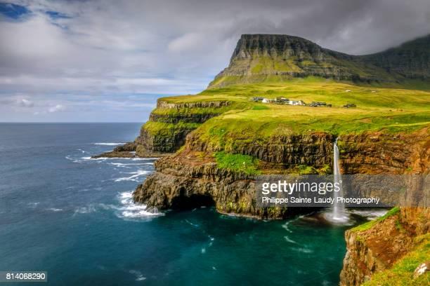 gásadalur - ilhas faeroe - fotografias e filmes do acervo