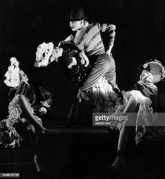 Gsovsky Ballett at the Wintergarden vaudeville in Berlin - - Photographer: Heinz von Perckhammer - Published by: 'Tempo' Vintage property of ullstein...