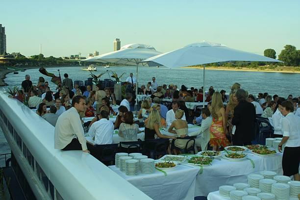 Gaste Hochzeitsfeier Party 19 07 2003 Koln Party Schiff M