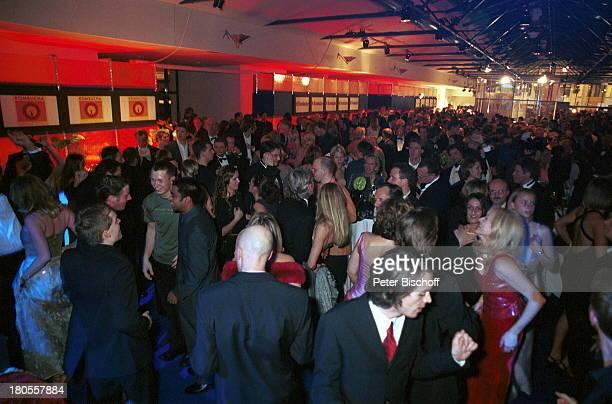"Gäste,""Bambi""-Verleihung, Berlin, Deutschland, Europa, Hotel;""Estrel"", Abendgarderobe, Saal, tanzen,;Feier, Party,"