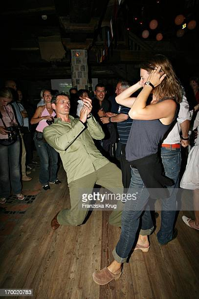 """Götz Otto and his wife Sabine On The Cottage In The Evening """"Kraller Alm"""" Of """"big border traffic"""" in Leogang Saalfelden 230606."""