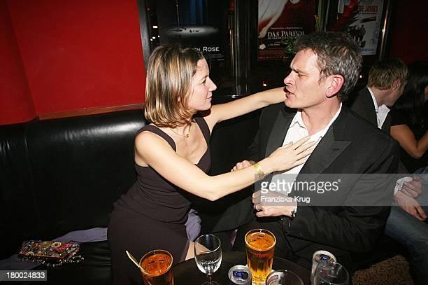 Götz Otto Und Ehefrau Sabine Bei Der Blue Midnight Party Im Roma Salon In München