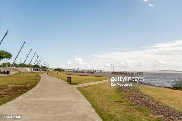 guaiba river boardwalk - porto alegre stock pictures, royalty-free photos & images