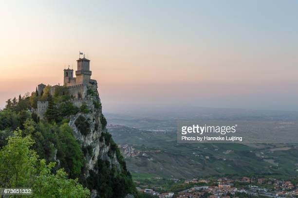guaita fortress in san marino at sunset - chateau stock pictures, royalty-free photos & images