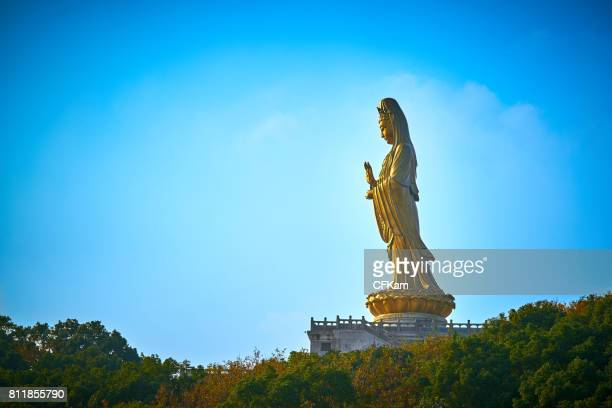 guan yin statue - guanyin bodhisattva stock pictures, royalty-free photos & images