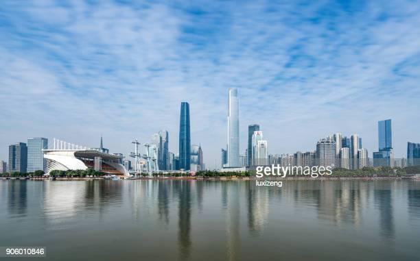 cantón de los edificios de la ciudad - provincia de guangdong fotografías e imágenes de stock
