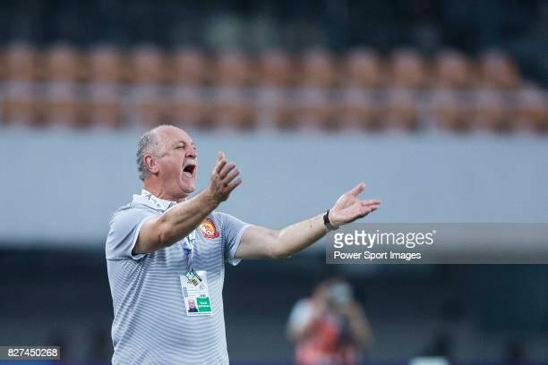Guangzhou Evergrande Head Coach Luiz Felipe Scolari gestures during the AFC Champions League 2017 Group G match between Guangzhou Evergrande FC vs...