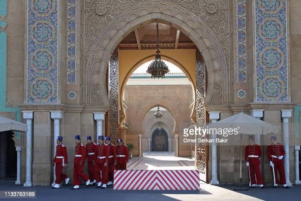 guard change at the royal palace - rabat morocco stock pictures, royalty-free photos & images