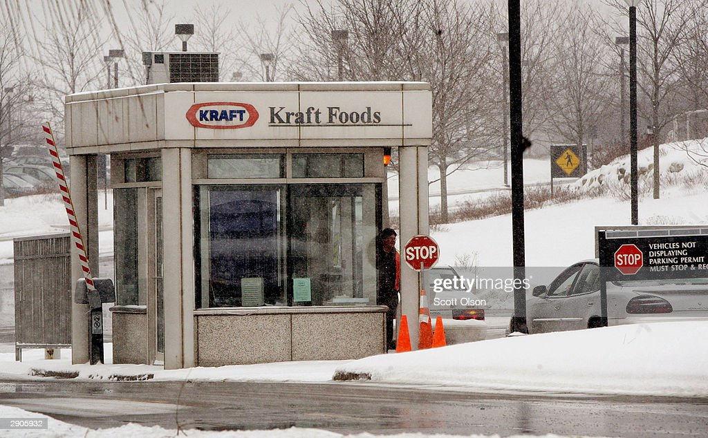 Kraft foods announces fourth-quarter results : News Photo