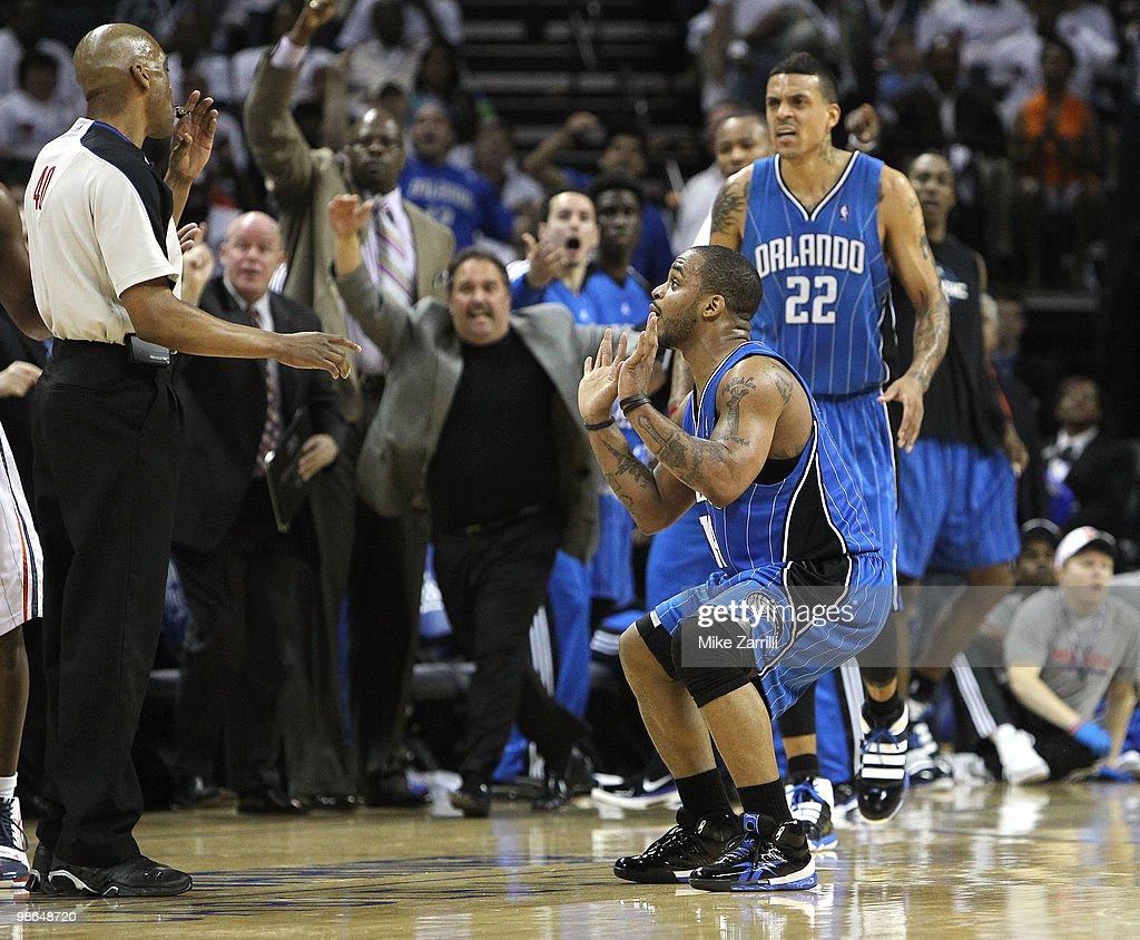 Orlando Magic v Charlotte Bobcats, Game 3 : News Photo