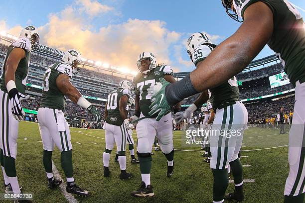 Guard James Carpenter of the New York Jets is introduced before the game against the New England Patriots on November 27 2016 at MetLife Stadium in...