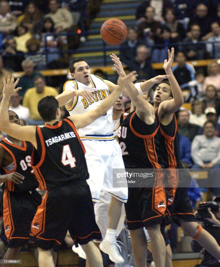Guard Jon Crispin , OSU Guard Angelo Tsagarakis, and other OSU