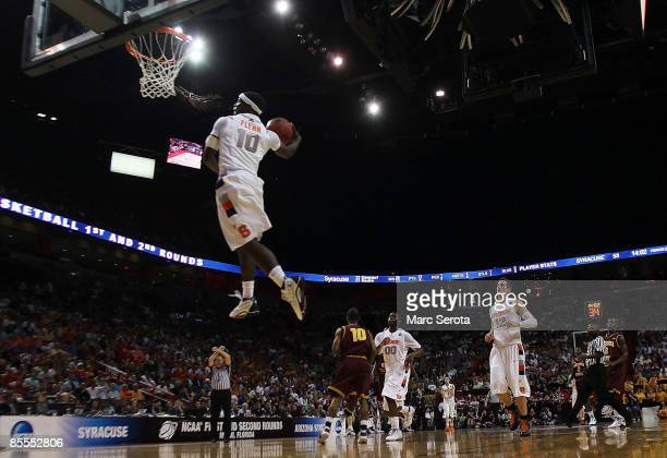 Guard Jonny Flynn of the Syracuse Orange goes up to dunk against the Arizona State Sun Devils during the second round of the NCAA Division I Men's...