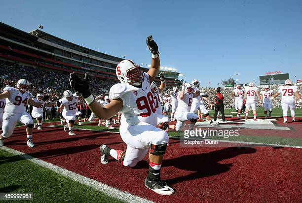 Guard Joshua Garnett of the Stanford Cardinal warms up before taking on the Michigan State Spartans during the 100th Rose Bowl Game presented by...