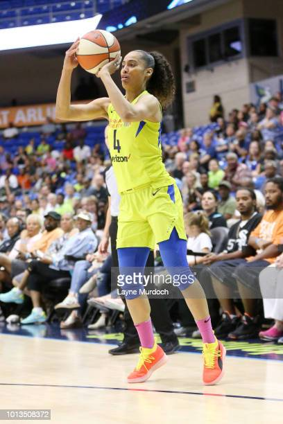 634a5bc2c294 guard Skylar DigginsSmith of the Dallas Wings shoots the ball during the  game against the Chicago