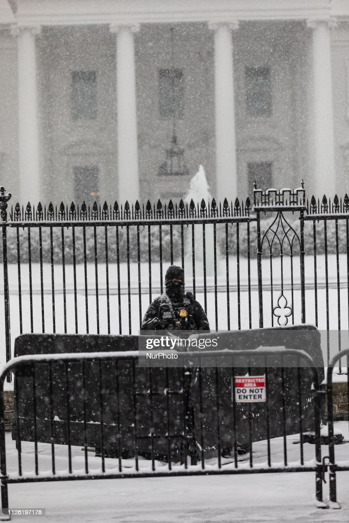 DC: Winter Storm Disrupts Washington, DC