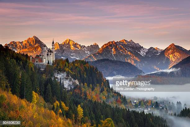 guardian of schwangau - chateau stock pictures, royalty-free photos & images
