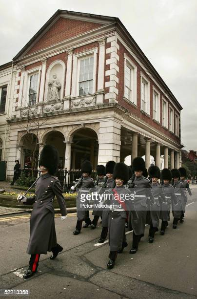 Guardsmen march past the Guildhall February 18 2005 in Windsor England The Prince of Wales Prince Charles and Camilla ParkerBowles were set to hold a...
