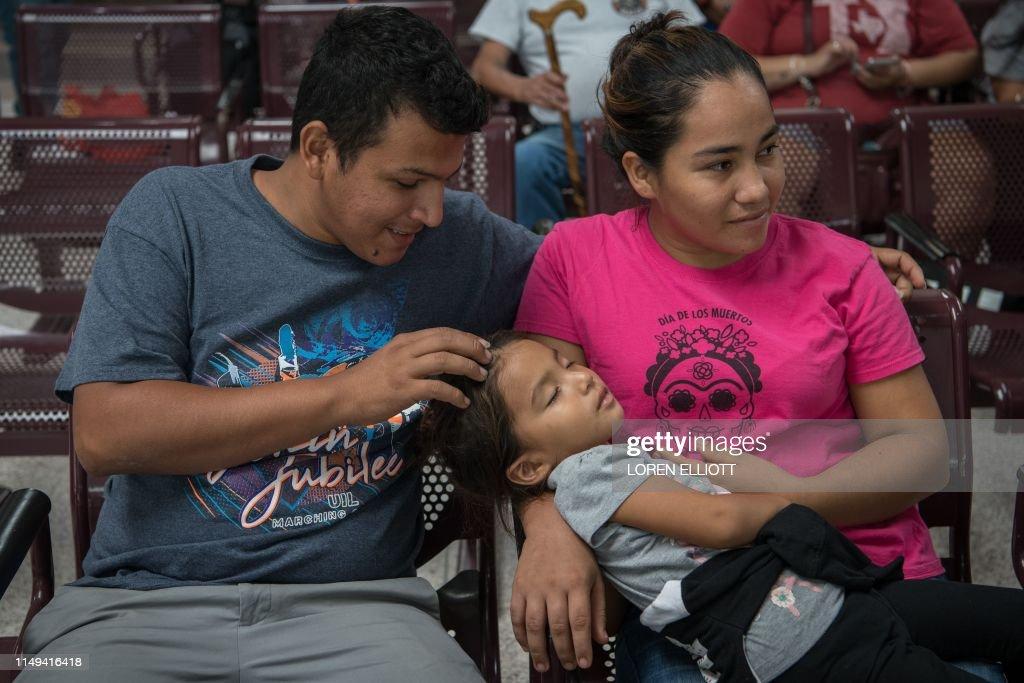 US-MEXICO-BORDER-IMMIGRATION-MIGRANTS : News Photo