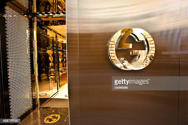 gucci store in florence, italian fashion - gucci beauty stock pictures, royalty-free photos & images