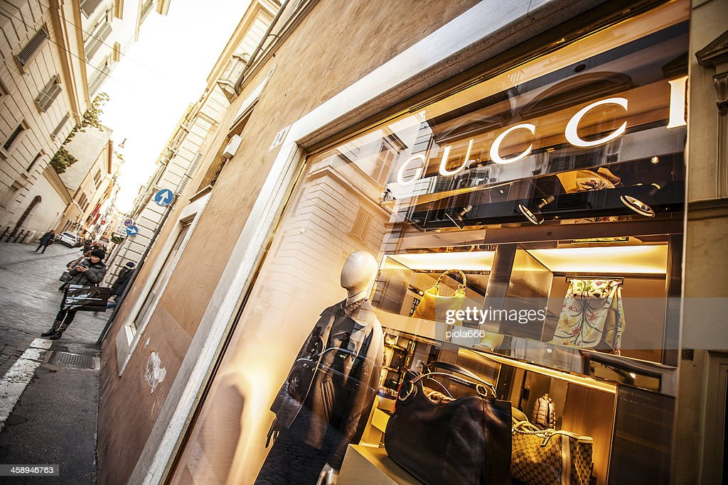 Gucci Stores In Die Via Frattina Rom Stock-Foto - Getty Images