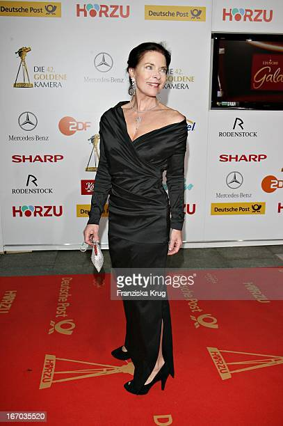 Gudrun Landgrebe Bei Der Verleihung Der 42 Goldenen Kamera In Der Ullstein Halle In Berlin Am 010207