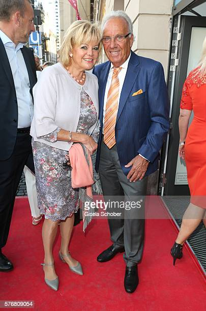 Guenter Steinberg and his wife Margot Steinberg during the Mercedes-Benz reception at 'Klassik am Odeonsplatz' 2016 on July 17, 2016 in Munich,...