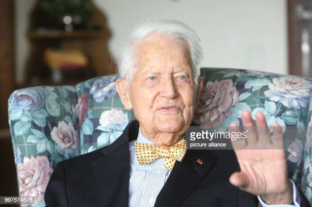 ARCHIVE Guenter Wind celebrates his 100th birthday in Koenigswinter Germany 31 March 2017 Guenter and his wife Barbara are celebrating their 75th...