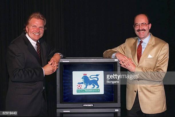 GuenterPeter PLOOG und Fritz VON THURN UND TAXIS kommentieren fuer Sie die englische Fussball PREMIERLEAGUE fuer den Fernsehsender PREMIERE