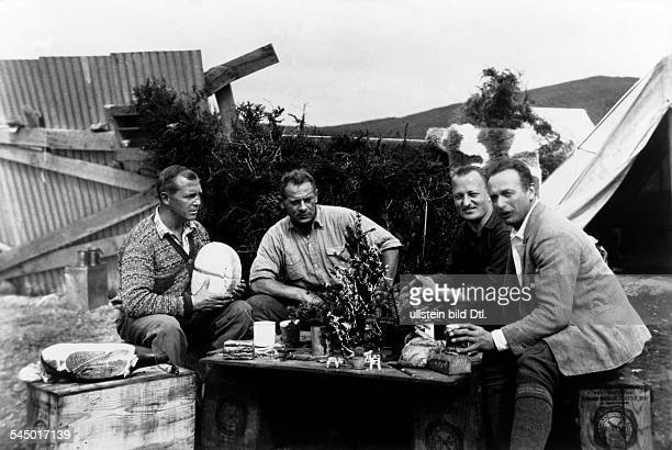 Guenther Plueschow aviator writer Germany breakfast with companions in Patagonia Plueschow 1930