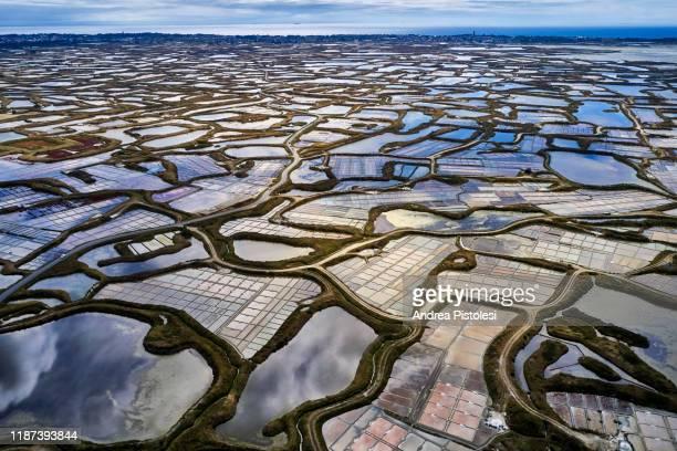 guerande salt evaporation ponds, france - ソルトポンド ストックフォトと画像
