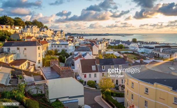 guernsey sunrise - isola di guernsey foto e immagini stock