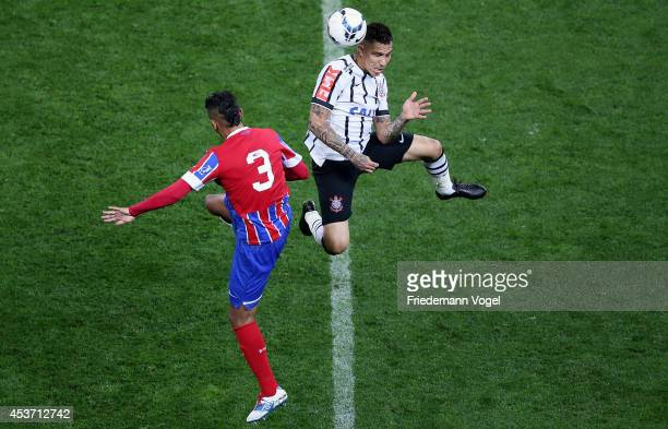 Guerrero of Corinthians fights for the ball with Demerson of Bahia during the match between Corinthians and Bahia for the Brazilian Series A 2014 at...
