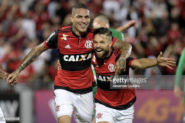 Guerrero of Flamengo celebrates a scored goal with Diego during the match between Flamengo and Chapecoense as part of Brasileirao Series A 2017 at...
