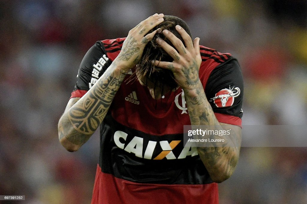Guerreroof Flamengo reacts during the match between Fluminense and Flamengo as part of Brasileirao Series A 2017 at Maracana Stadium on June 18, 2017 in Rio de Janeiro, Brazil.