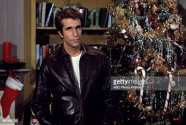 DAYS Guess Who's Coming to Christmas Season Two 10/29/74 Howard wants Christmas Eve to only include the family but Richie discovers that Fonzie will...