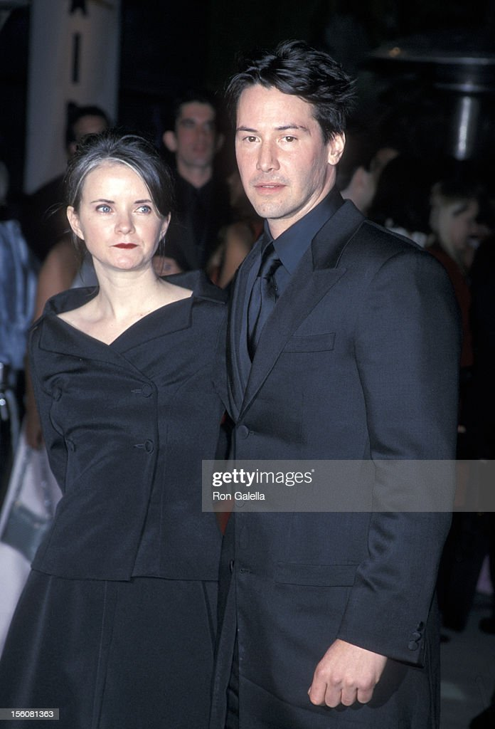 Guest And Keanu Reeves During 7th Annual Vanity Fair Oscar Party News Photo Getty Images