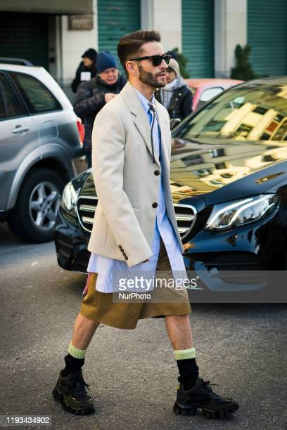 Guest arrives during the Milan Men's Fashion Week Fall/Winter 2020/202112 in Milan, Italy, on January 12 2020