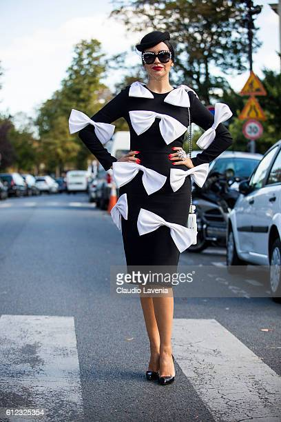 Guest attends Giambattista Valli show on day 7 of Paris Womens Fashion Week Spring/Summer 2017 on October 3 2016 in Paris France