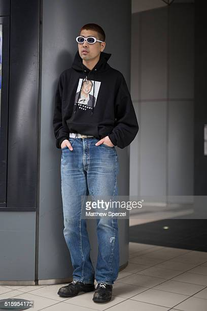 A guest attends the Bennu show during Tokyo Fashion Weekon March 16 2016 in Tokyo Japan