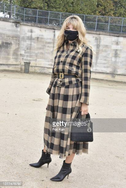 Guest attends the Dior Womenswear Spring/Summer 2021show as part of Paris Fashion Week on September 29, 2020 in Paris, France.