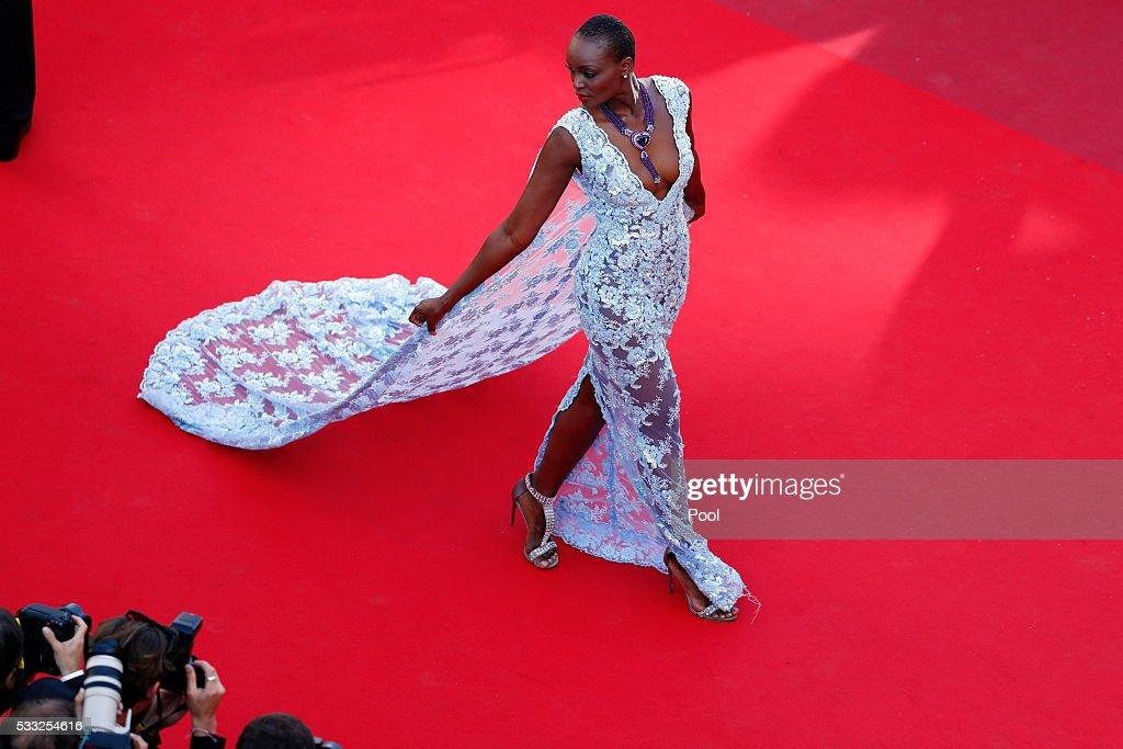 'Elle' - Red Carpet Arrivals - The 69th Annual Cannes Film Festival : Photo d'actualité