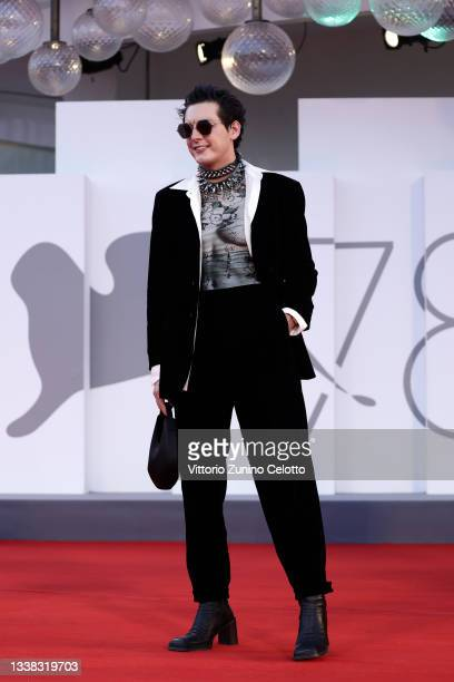 """Guest attends the red carpet of the movie """"Competencia Oficial"""" during the 78th Venice International Film Festival on September 04, 2021 in Venice,..."""