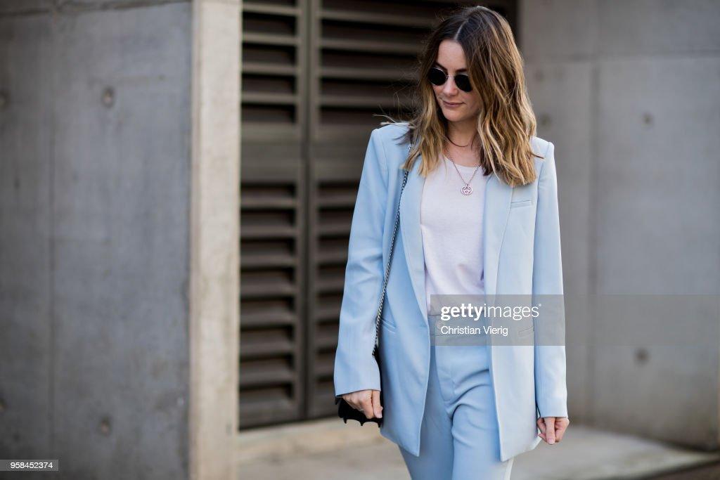 Street Style - Mercedes-Benz Fashion Week Australia 2018 : News Photo