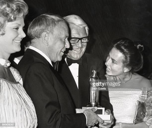 Guest, Frank Sinatra, Cary Grant and Barbara Harris