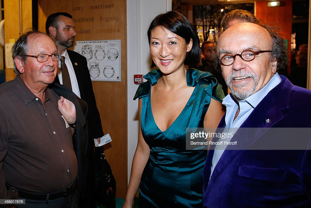 Guest, French minister of Culture and Communication Fleur Pellerin and Director of the movie Jean-Michel Ribes attend the 'Breves de Comptoir' : movie premiere at Theatre du Rond Point on September 8, 2014 in Paris, France.