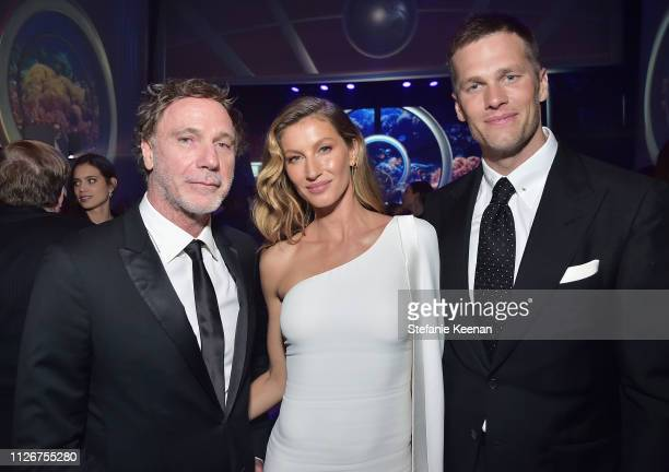 Guest Gisele Bündchen and Tom Brady attend the UCLA IoES honors Barbra Streisand and Gisele Bundchen at the 2019 Hollywood for Science Gala on...